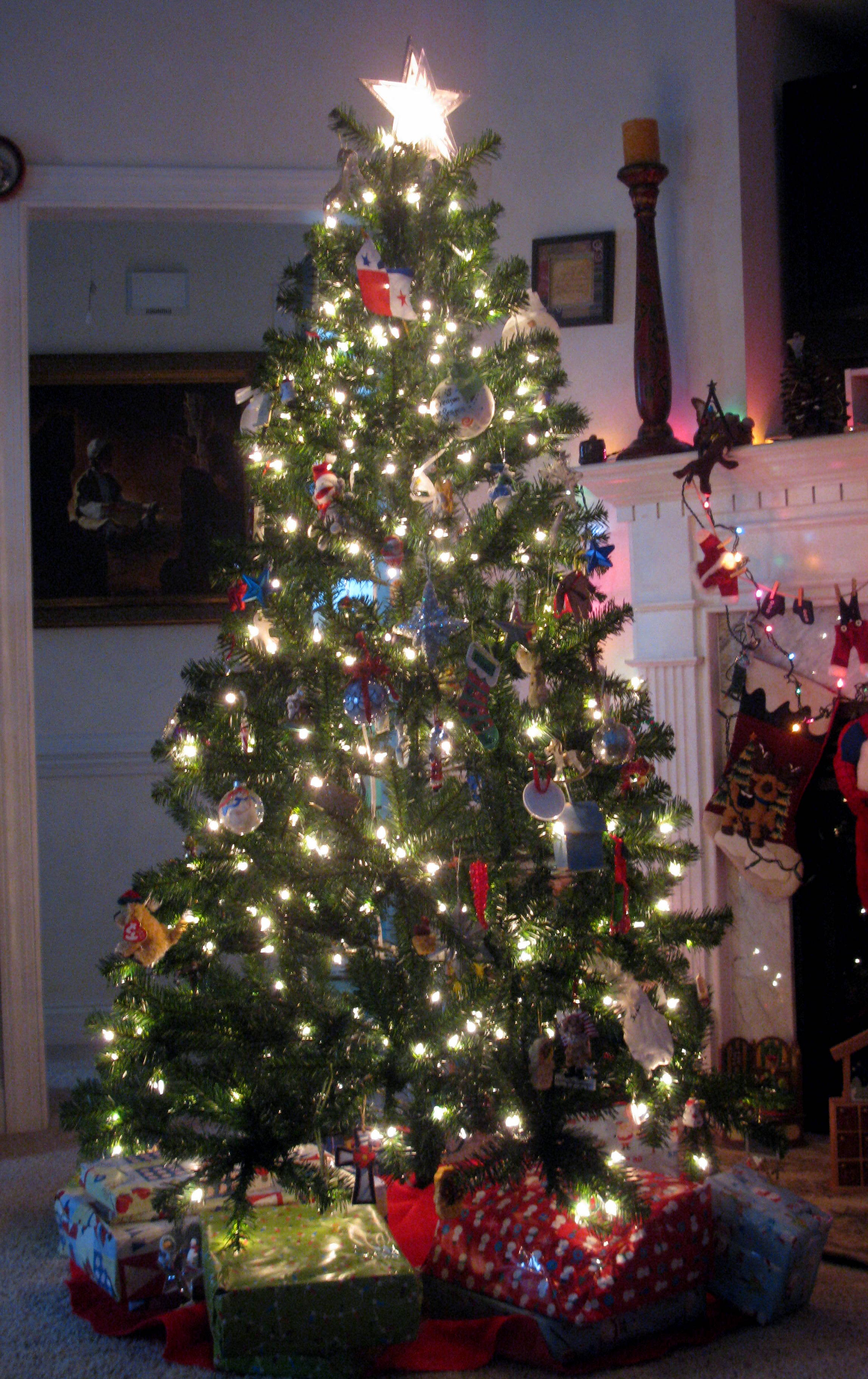 Most Beautiful Christmas Tree Images: Beautiful christmas tree the ...